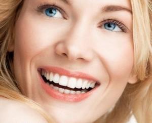 """На 8 март по БНТ предаването """"Здравето отблизо"""" и д-р Гайс Бадер ще подарят на една от зрителките безплатно офис избелване на зъбите"""