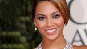 Стоматологът-хирург Гайс Бадер: Най-модна е усмивката на Бионсе